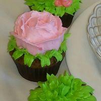 Капкейки, муссовые десерты в креманках