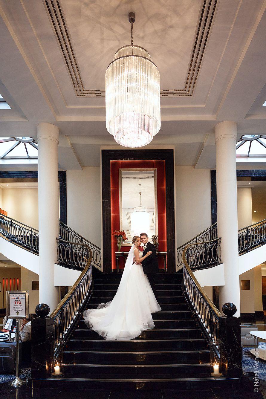 Свадебная фотосессия в отеле - фото 19104124 Фотограф Наталья Вендт