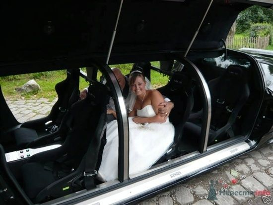 Фото 46807 в коллекции Мои фотографии - Black and White Cars - аренда лимузинов