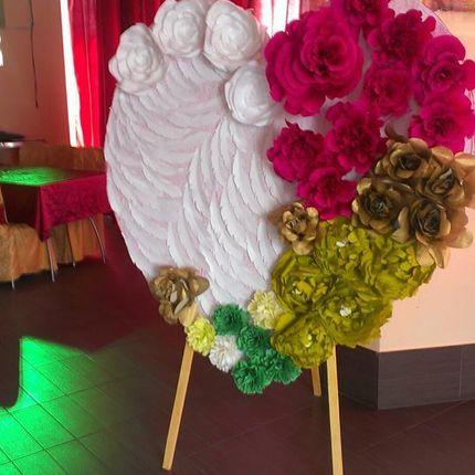 Сердце с бумажными цветами в аренду
