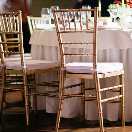 Классические свадебные стулья Къявари
