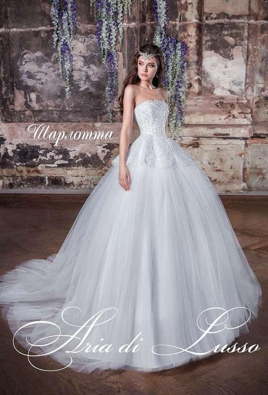 Стильное и изысканное платье с баской. - фото 15213708 Дом счастливых невест