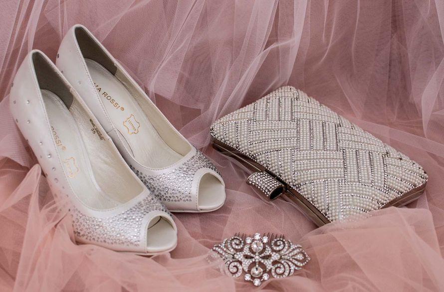 Фото 16778224 в коллекции Свадебная обувь и сумочки - Свадебный салон Edler Weiss