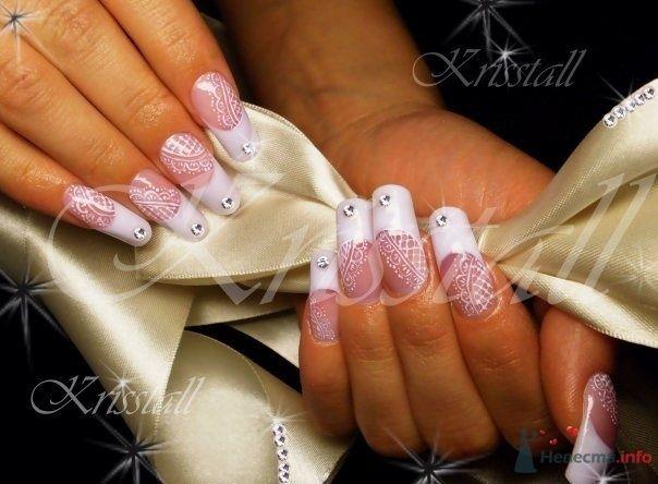 Дизайн с кружевами для нарощенных ногтей