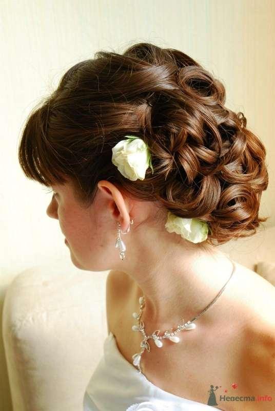 свадебная причёска с живыми цветами - фото 46415 Свадебный стилист Татьяна Мартынова