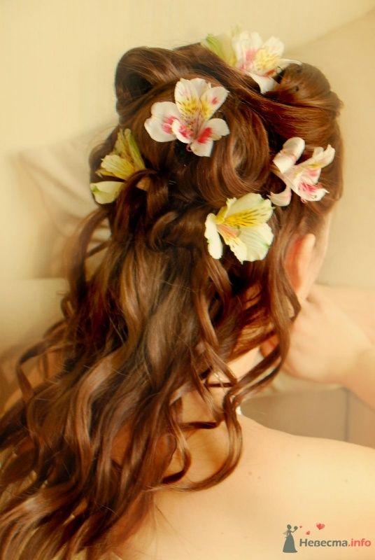 свадебная причёска с живыми цветами - фото 46423 Свадебный стилист Татьяна Мартынова