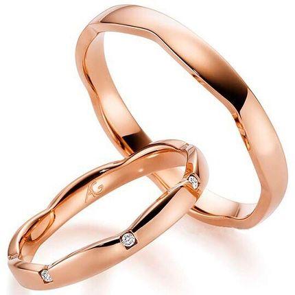 Обручальные кольца из красного золота с бриллиантами. На заказ