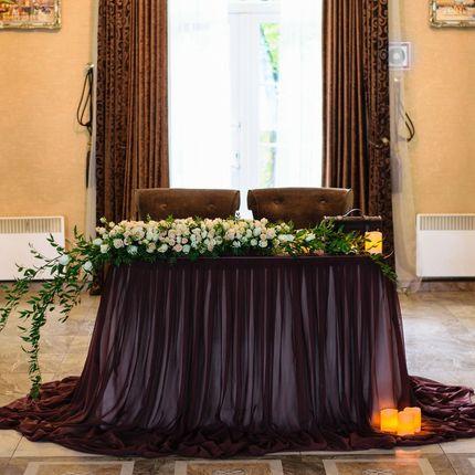 Оформление стола молодожёнов в шоколадном цвете