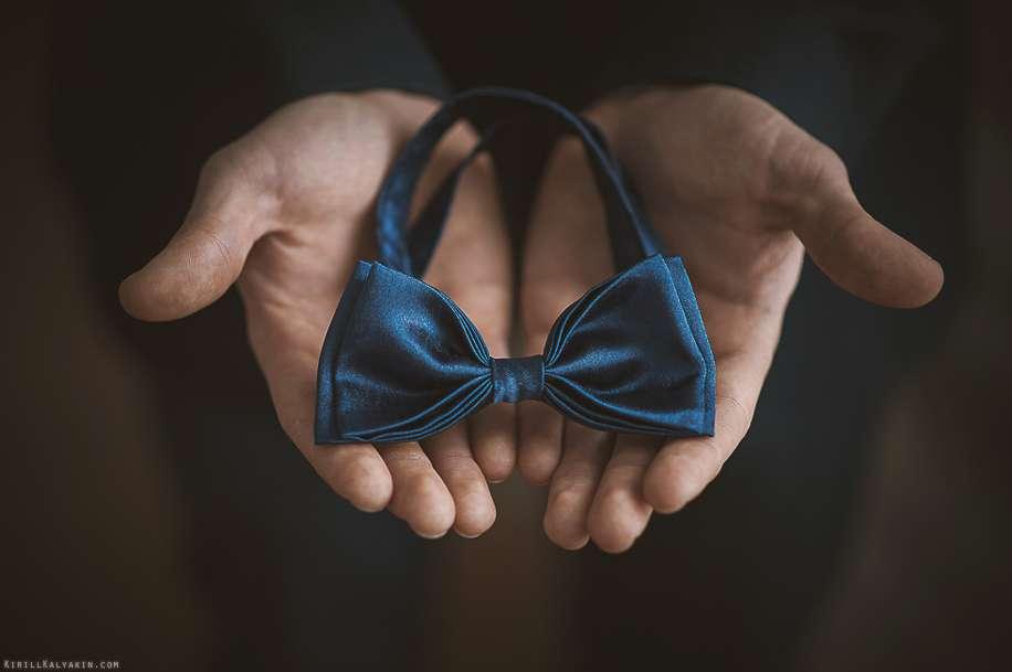 Тёмно-синий галстук-бабочка - фото 2095214 Свадебный фотограф Кирилл Калякин