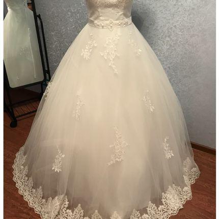 Пышное новое свадебное платье, 44-46
