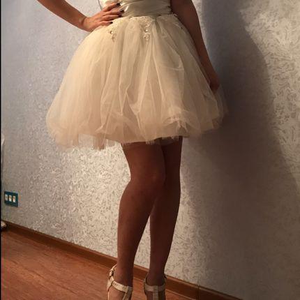 Короткое свадебное платье, пышное