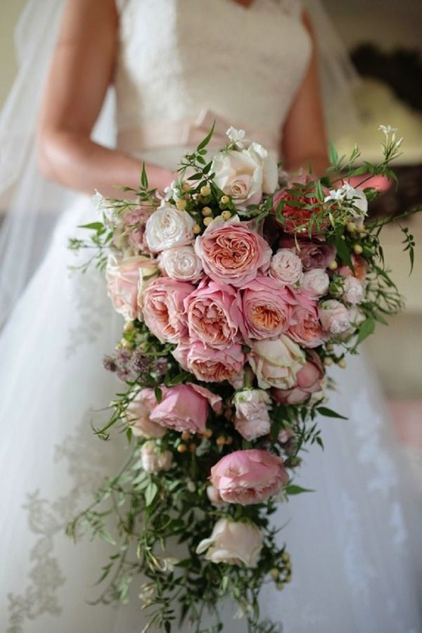 """Огромный каскадный букет - фото 12376622 Свадебное агентство """"Про-любовь"""""""