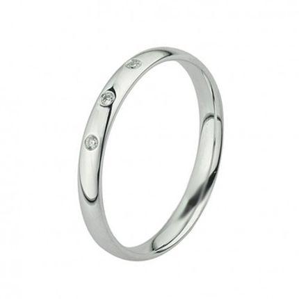 Обручальное кольцо из палладия с 3 бриллиантами шириной 2 мм