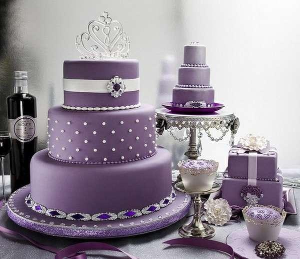 Три свадебных торта, украшенный съедобным жемчугом, белой лентой и диадемой - фото 1377827 Ylianna