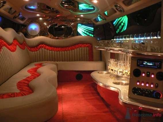 Салон красного хаммера - фото 48931 Компания Zein LimousineS - прокат авто