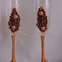 Бокалы в шоколадном цвете. Стоимость 1500 руб.