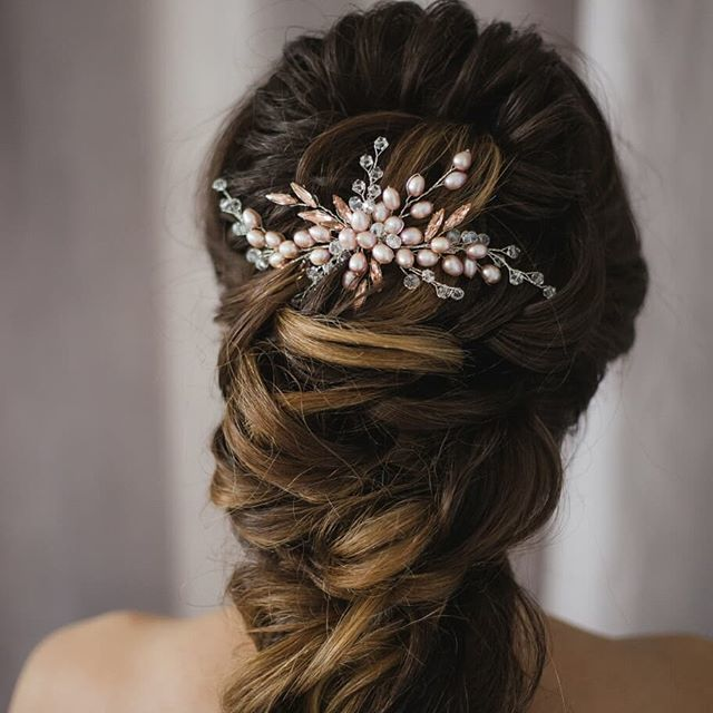 Фото 17616038 в коллекции Свадебные гребни в прическу - Екатерина Захарова - украшения для волос