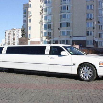 044 Лимузин Lincoln Town Car 120 NEW в аренду