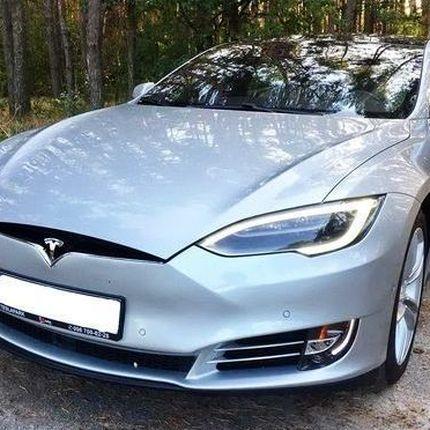 106 Tesla Model S90d аренда авто