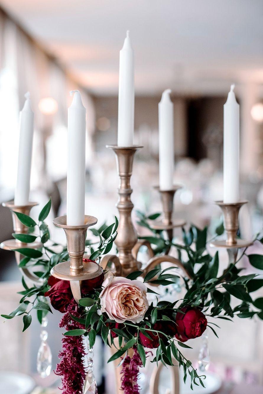 не цвет, но идея с подсвечниками, украшенные в другой цв.гамме на столах - фото 17712030 Светлана Кудрявцева