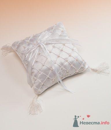 Подушка для колец. Жемчуг - фото 53569 RosyDog – свадебные аксессуары из Америки и Европы