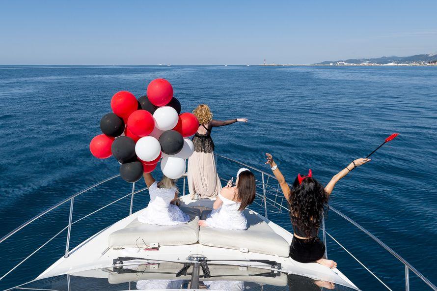 Девичник на яхте - фото 17898590 Яхты Сочи - аренда транспорта
