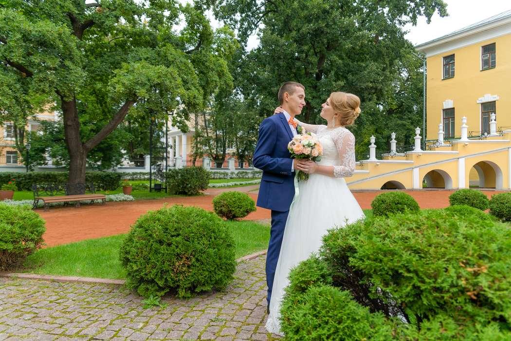 обычно скулы, свадебные фото углич машина используется самых