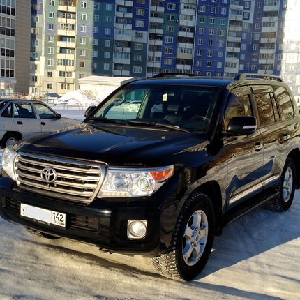 Toyota Land Cruiser 200 в аренду