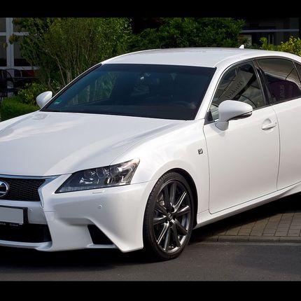 Lexus GS300f sport, белый в аренду, 1 час