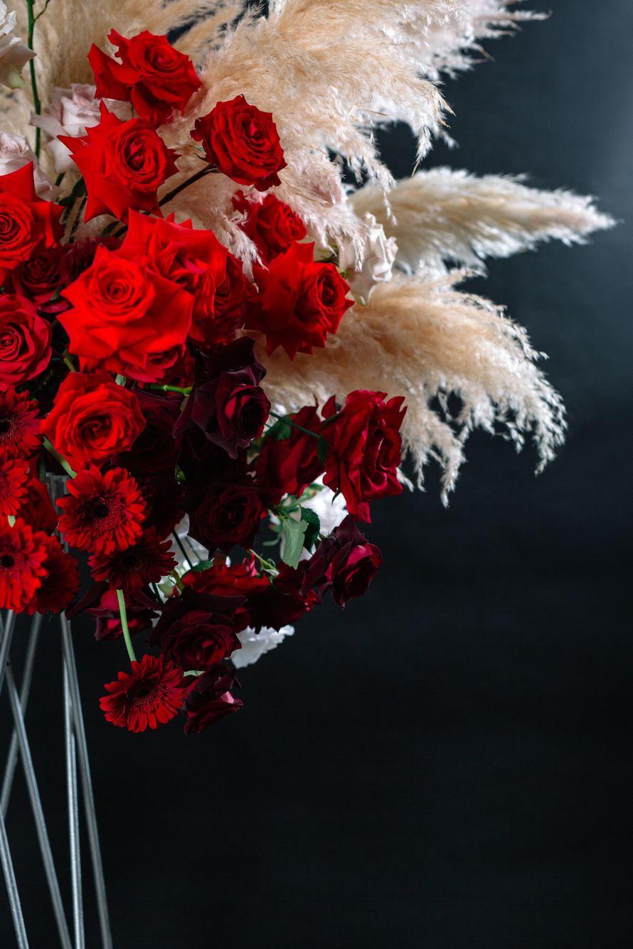 """Фото 18874000 в коллекции Композиции высокие, подвесные, арки, фотозоны - """"Allure"""" - flowers&decor"""