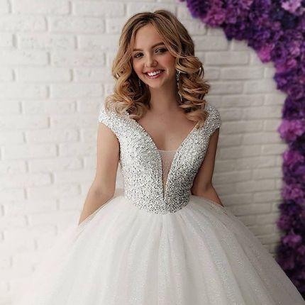 Шикарное пышное платье цвета айвори