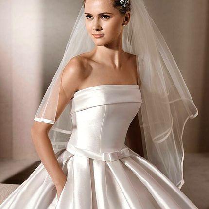 Открытое платье в ткани микадо