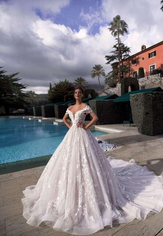 Фото 19018180 в коллекции lussano - Салон свадебной и вечерней моды Фея