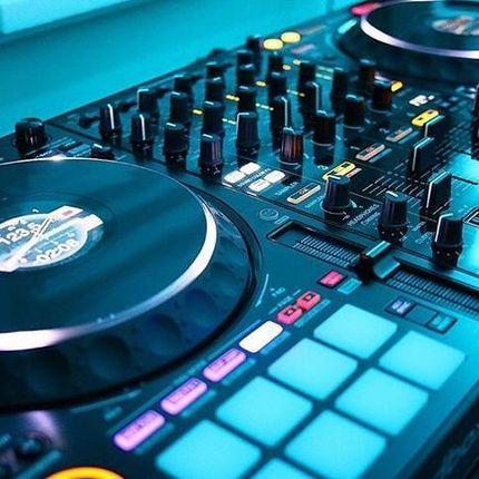 DJ с оборудованием, 2 часа работы