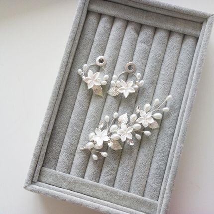 Комплект веточка и серьги с цветами