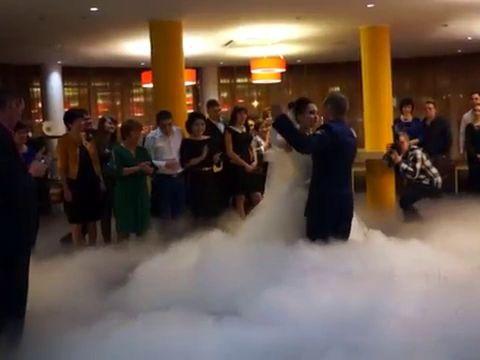 Тяжелый стелющийся дым на свадьбу