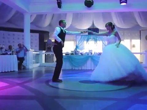 Классический сказочный свадебный танец