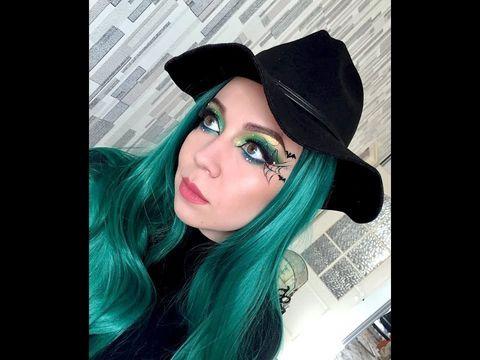 Ксения Саватеева. Видео-урок зеленого макияжа ведьмы на Хэллоуин